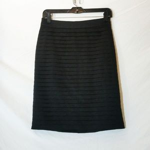H&M Black Pleated Pencil Skirt, size 8